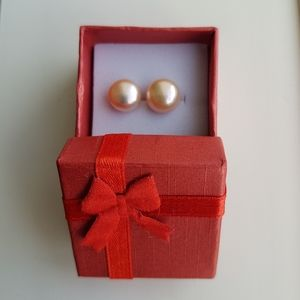 Jewelry - Fresh water pearl earrings NWOT